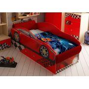 Кровать на подиуме в виде машины Тесла.